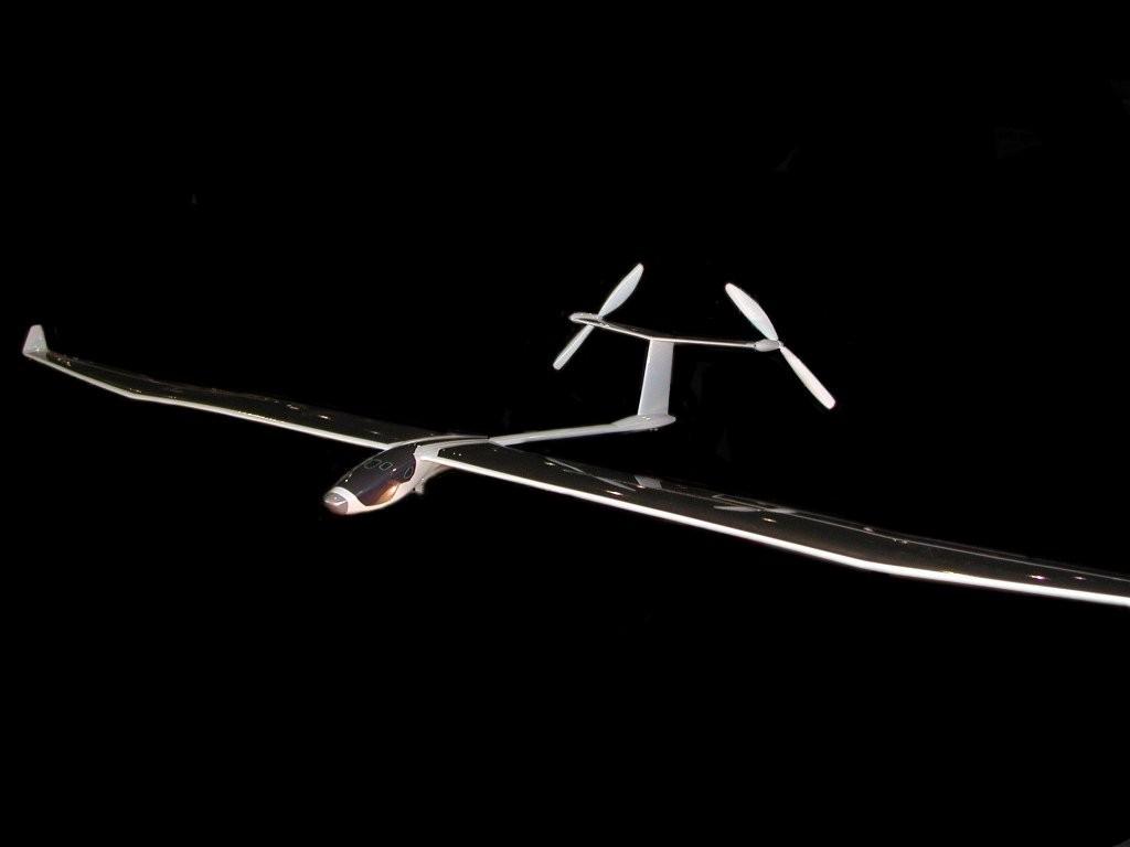 Solar_Impulse_night